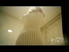 Beautiful blonde in toilet shaved pussy and anu...