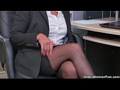 Sultry milfs Bianca and Penny masturbate at the...