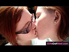 Ruivas lésbicas safadas se acabando no sexo bem gostosinho .