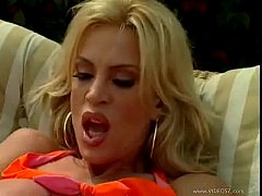 Hot Milf Amber Lynn Fucked outdoors for messy f...