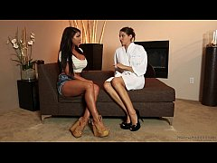 Sadie Holmes introduces nurumassage to August T...