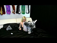 Alice in White Tiger Costume with White Crotchl...