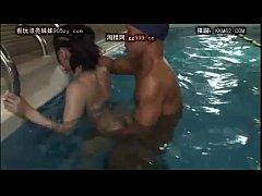 japenese girl fuck in pool
