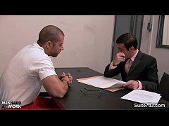Rapaz paga advogado com boquete