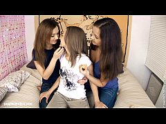 Excited Threeway by Sapphic Erotica - sensual l...