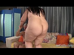 Pretty BBW Becki Butterfly gets her pussy fucke...