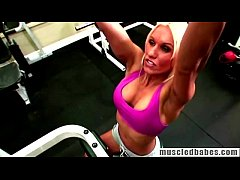 Blonde Gets Horny While Hitting The Gym