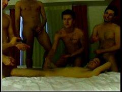 Homens adoram sentar na pica grande
