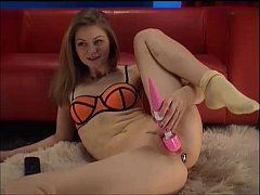 Cam girl with big toy playing secret film from ...