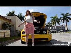 PAWG Gets Fucked After Her Car Breaks Down