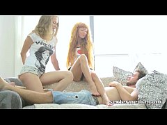 Hot (!) Teenie Threesome