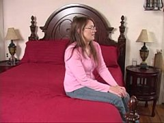 Desperate Amateurs - Devine Squirts One First Time