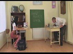In der Schule den Freund der Mutter gefickt