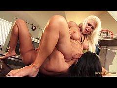 MILF Ava Addams eating out lesbian girlfriend Nikki Phoenix