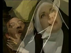 Freira sendo forçada brutalmente pelo padre a foder dentro do convento