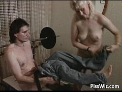 Old slut getting her pussy drilled