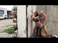BANGBROS - Veronica Rodriguez Gets Fucked in Public (bbc14371)