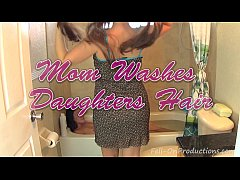 Madisin Lee & Melanie Hicks in Mom Washes Daugh...