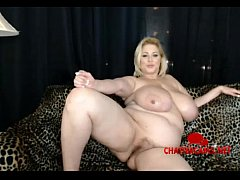 World Famous BBW Hot Mom Samantha38G on Her Liv...