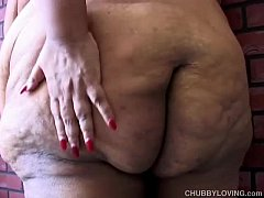Super sized BBW fucks her soaking wet pussy for...