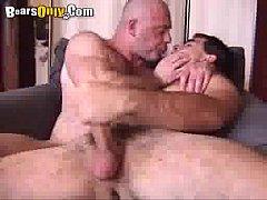 Incesto gay com pai e filho fodendo gostoso