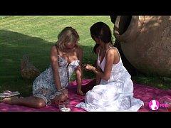 Viv Thomas Lesbian HD - Blonde and brunette bab...