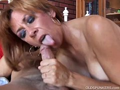 Super hot old spunker is such a hot fuck and lo...