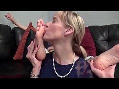 Lesbian licks feet