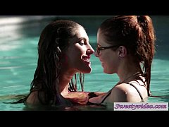 Penny Pax and August Ames make up by fingering and licking