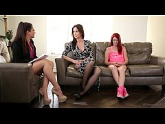 The Family Therapist - Elle Alexandra, Allie Ha...