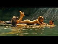 Kiele Sanchez and Milla Jovovich hot In A Perfect Getaway movie NO NUDE