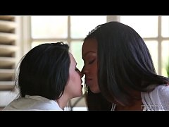 Babes - EBONY IVORY (Chloe James), (Tila Flame)