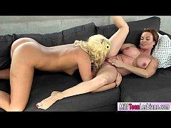 Diamond Foxx lesbian sex with Keely Jones on th...