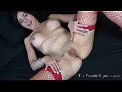 Big Nipples and Big Lips in Fishnets Finger Fuc...
