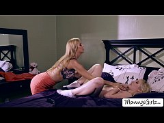 Babe Trillium and mom Alexis in hot 69 pussy li...