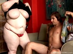 Super sexy big belly & boobs BBW gives an amazi...