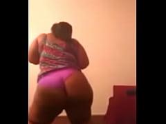 Black BBW shakes her booty