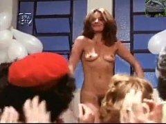 Full strip for excited crowd (Brazilian C ...