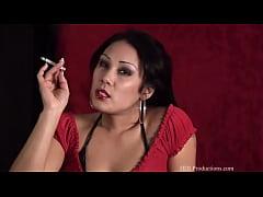 Jiji Vu - Smoking Fetish at Dragginladies
