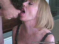 Sloppy Nasty Granny Facial For Amateur GILF
