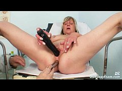 Nada visits her gyno doctor for mature pussy sp...