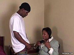 Ebony granny takes a dicking
