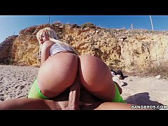 Jada Stevens does yoga for Ass Parade and It Wi...