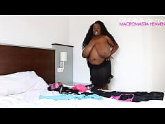Summer Lashay huge ebony boobs