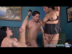 Bigtitted stepmom in threeway with babe