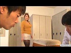 Yumi KazamaBeautiful Japanese MILF Porn teen po...