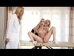 Teaching mom and step-daughter - Cadence Lux, B...