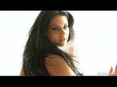 LiveGonzo Bella Reese Busty Sexy Babe Sucking &...
