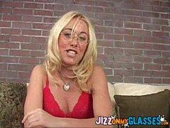 Goldie Coxx Blowjob & Cum Facial