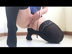 Dance, stockings, squirt and slowmo.